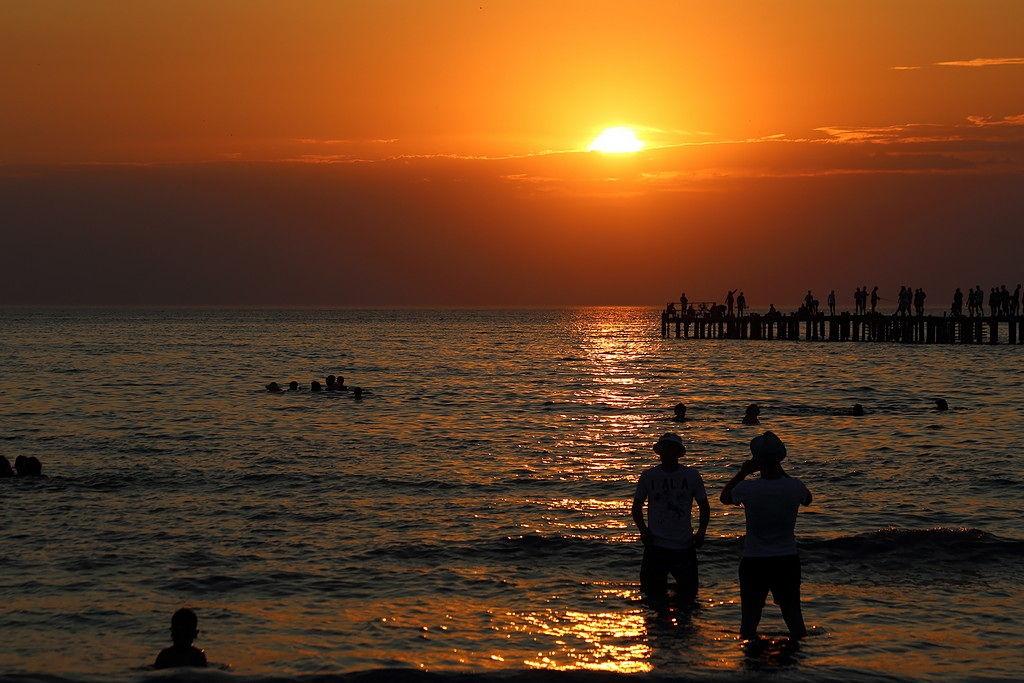 Анапа. Закат на пляже