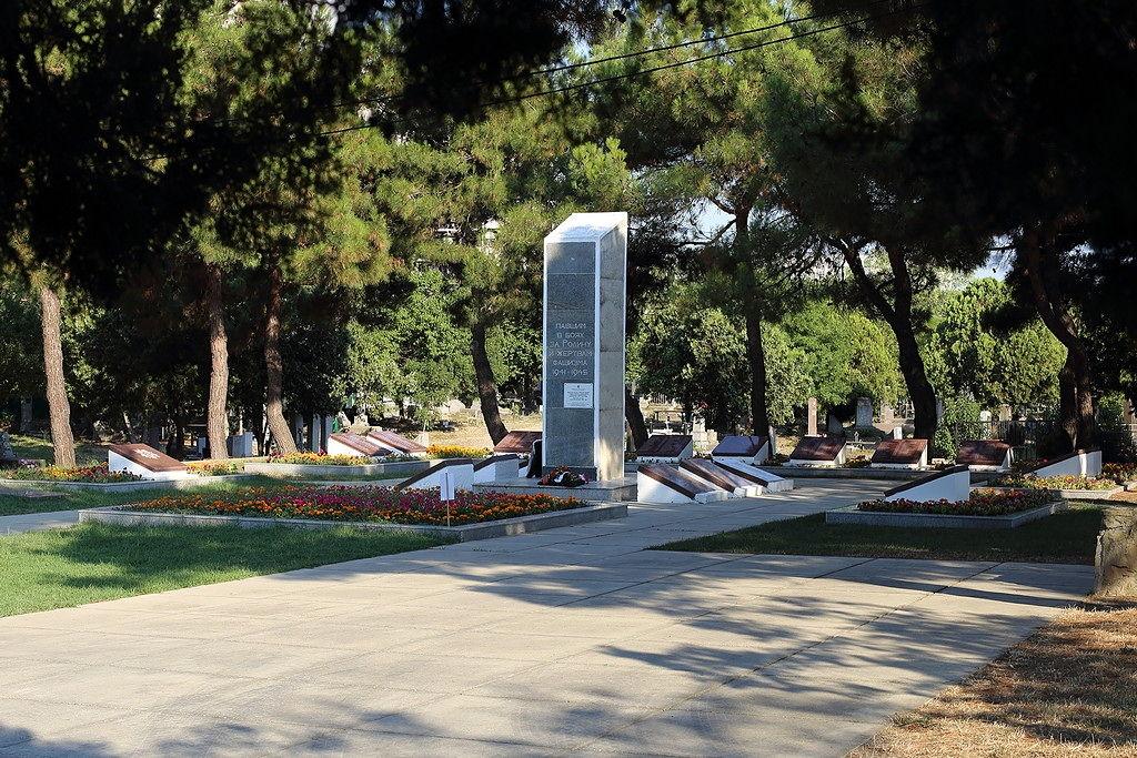 Анапа. Памятник героям