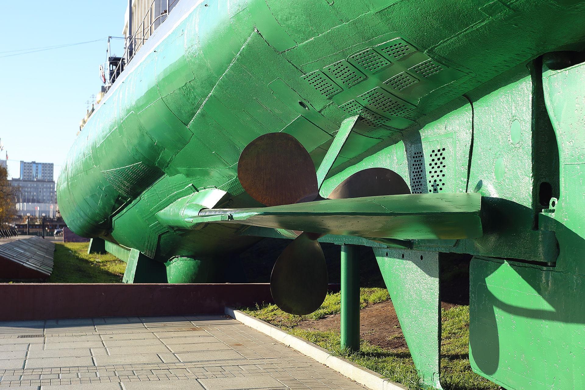 Владивосток, памятник подводной лодке